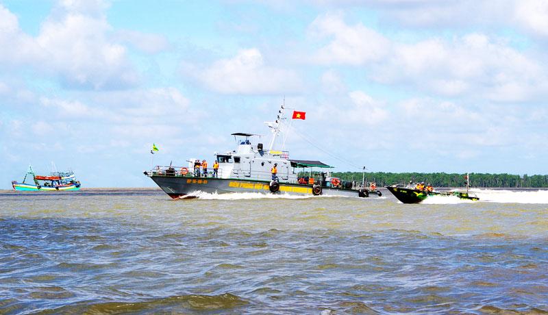 Hải đội Biên phòng 2 tuần tra bảo vệ chủ quyền vùng biển. Ảnh: Biên Cương