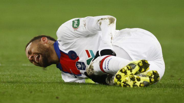 Neymar dính chấn thương vào đầu tháng này