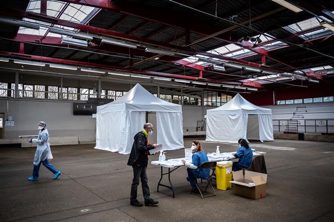 Một điểm xét nghiệm COVID-19 tại Saint-Etienne, Pháp, ngày 22-2-2021. Ảnh: AFP/ TTXVN