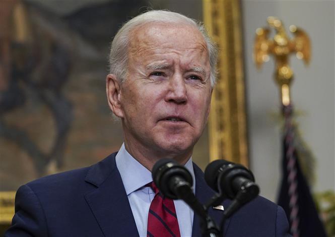 Tổng thống Mỹ Joe Biden phát biểu về gói cứu trợ dịch COVID-19 trị giá 1.900 tỷ USD tại Nhà Trắng ở Washington, DC, ngày 27-2-2021. Ảnh: AFP/TTXVN