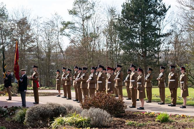 Lễ tang của cụ ông Tom Moore tại Bedford, miền Trung xứ England, ngày 27-2-2021. Ảnh: AFP/TTXVN