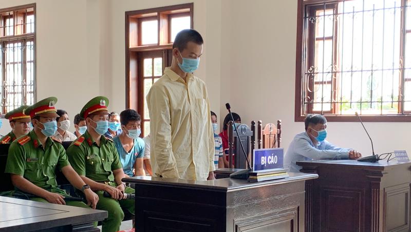 Bị cáo Trần Tấn Đạt tại tòa.