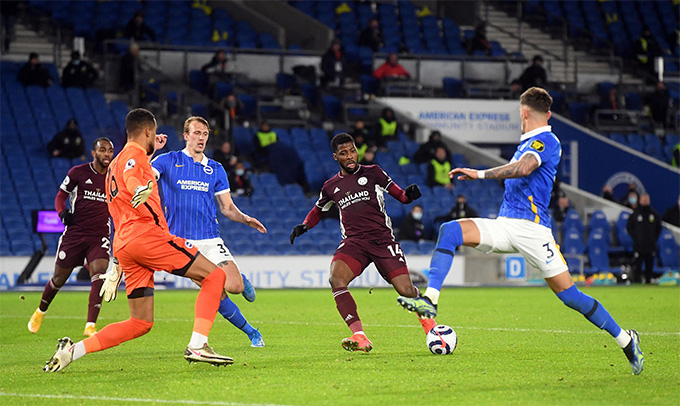 Iheanacho san bằng cách biệt cho Leicester