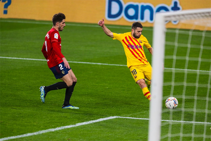 Alba mở tỷ số sau đường kiến tạo của Messi