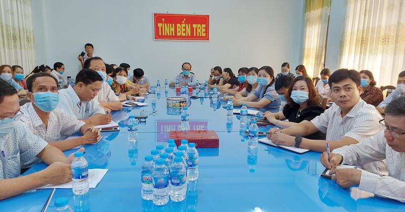 Phó giám đốc Sở Y tế Nguyễn Văn Oanh chủ trì hội nghị điểm cầu tỉnh.
