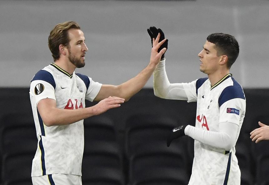 Kane ghi bàn mở tỷ số cho Tottenham