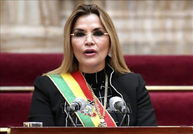 Tổng thống tạm quyền Bolivia Jeanine Anez trong bài phát biểu tại La Paz ngày 6-8-2020. Ảnh: AFP/TTXVN
