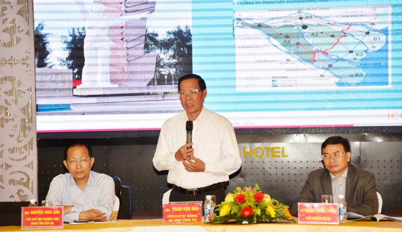 Bí thư Tỉnh ủy Phan Văn Mãi phát biểu chỉ đạo tại hội nghị