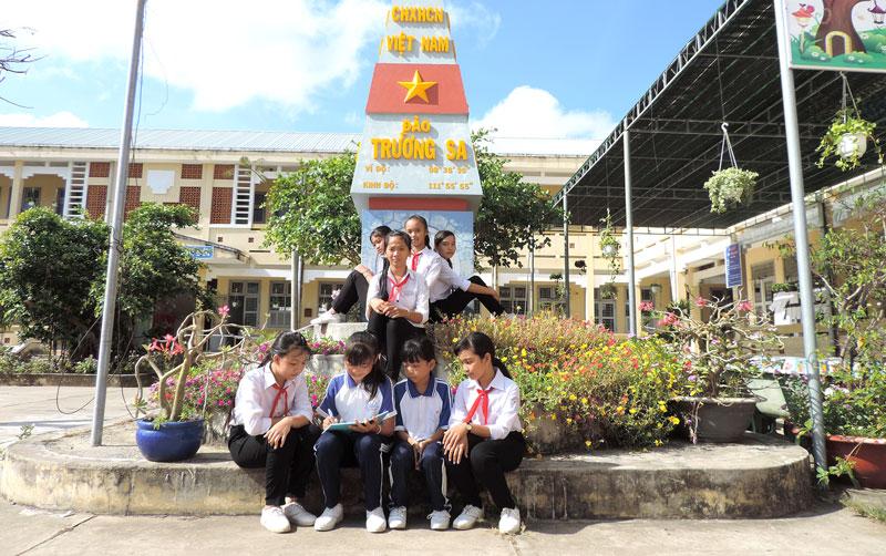 Năm học 2021-2022, tỉnh có 14.886 học sinh lớp 6 theo học bộ SGK mới. Ảnh: P. Tuyết