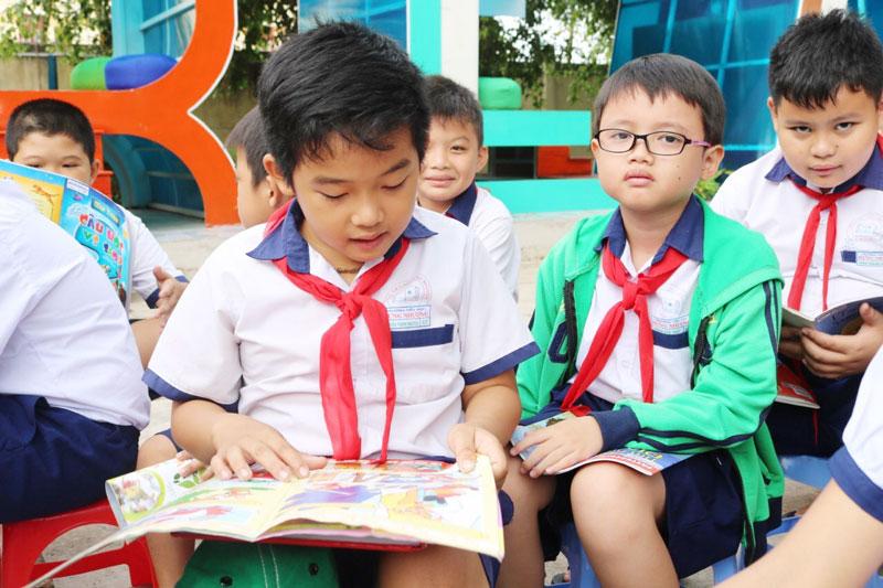 Học sinh Trường Tiểu học Hưng Nhượng (Giồng Trôm).