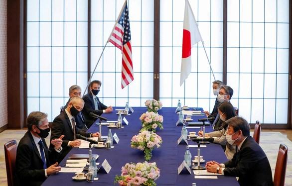 Ngoại trưởng Mỹ Blinken (trái) trong cuộc hội đàm với người đồng cấp Nhật Bản ngày 16-3-2021. Ảnh: REUTERS