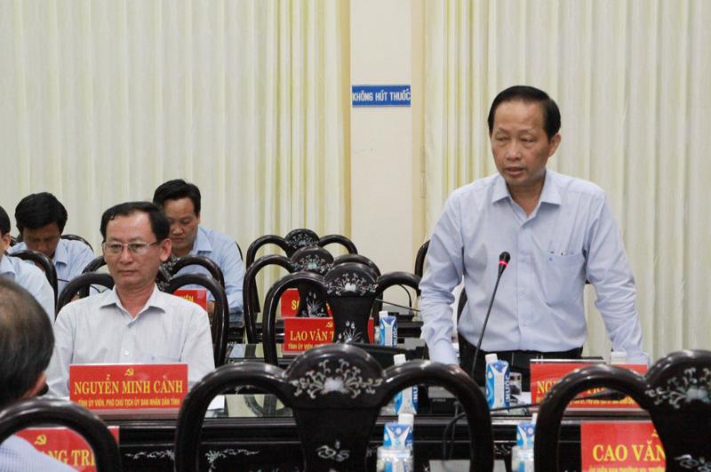 Phó chủ tịch Thường trực UBND tỉnh Nguyễn Trúc Sơn phát biểu.