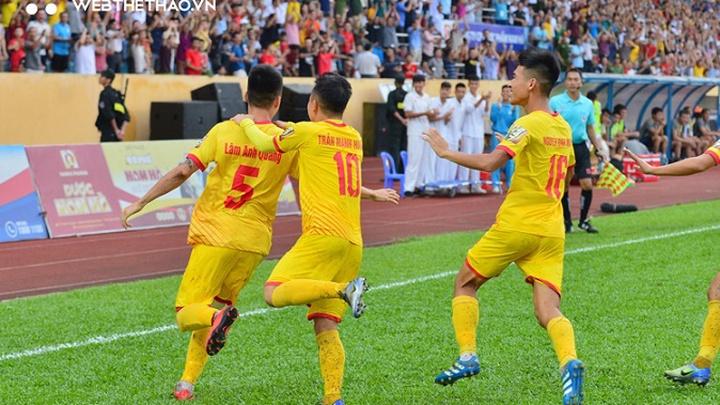 Với chiến thắng 1-0 trước SLNA, Nam Định có được chiến thắng thứ 3 liên tiếp V.league 2021.
