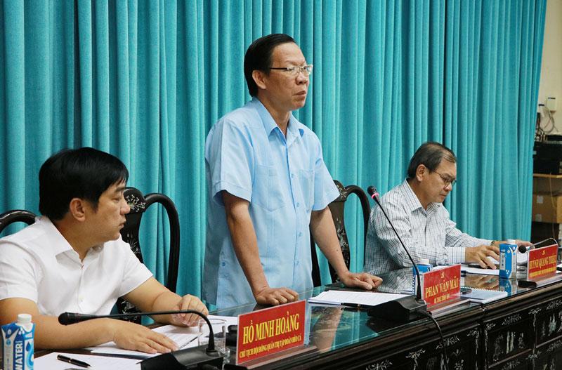 Bí thư Tỉnh ủy Phan Văn Mãi tại cuộc họp.