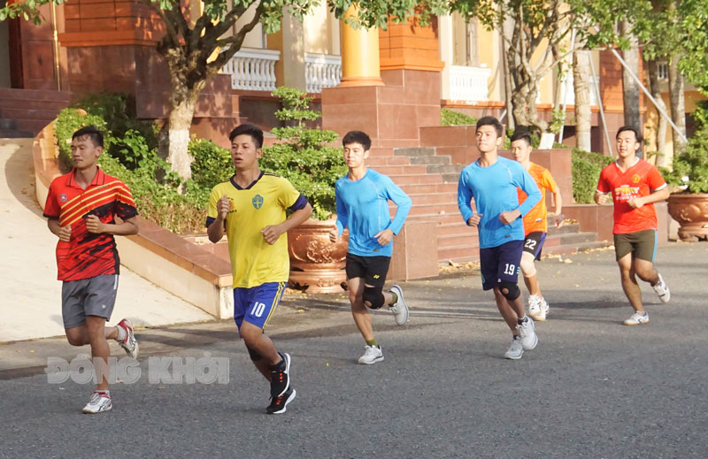 Lực lượng vận động viên Công an tỉnh đang khẩn trương tập luyện hướng đến Giải Việt dã Báo Đồng Khởi 2021.