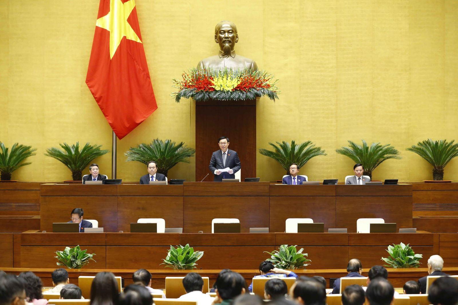 Chủ tịch Quốc hội Vương Đình Huệ phát biểu tại phiên họp. Ảnh: Doãn Tấn/TTXVN