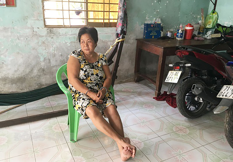 Đối tượng Huỳnh Thị Mai bị bắt tại nhà. Ảnh: Minh Tú