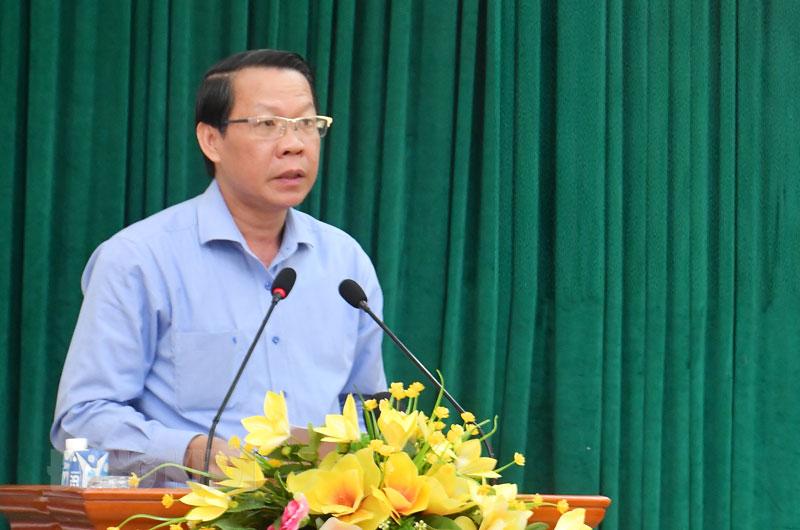Bí thư Tỉnh ủy Phan Văn Mãi phát biểu khai mạc hội nghị .
