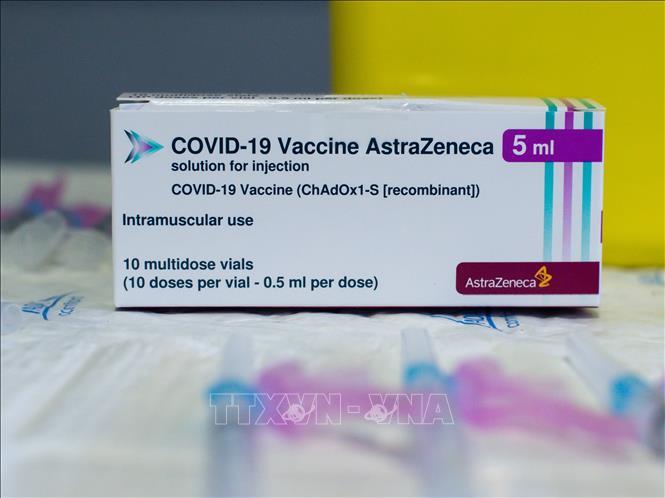 Vaccine ngừa COVID-19 của AstraZeneca/Oxford. Ảnh: THX/TTXVN