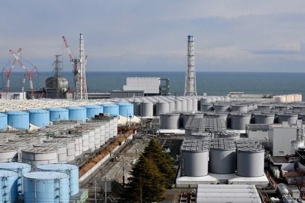 Các bể chứa nước thải nhiễm phóng xạ tại nhà máy điện hạt nhân Fukushima của Nhật Bản, ngày 3-2-2020. (Ảnh: AFP/TTXVN)