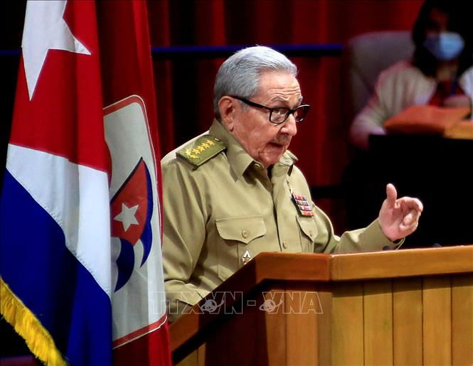 Bí thư Thứ nhất Đảng Cộng sản Cuba (PCC), Đại tướng Raúl Castro Ruz phát biểu trong phiên khai mạc Đại hội Đảng Cộng sản Cuba ở La Habana, ngày 16-4-2021. Ảnh: AFP/TTXVN