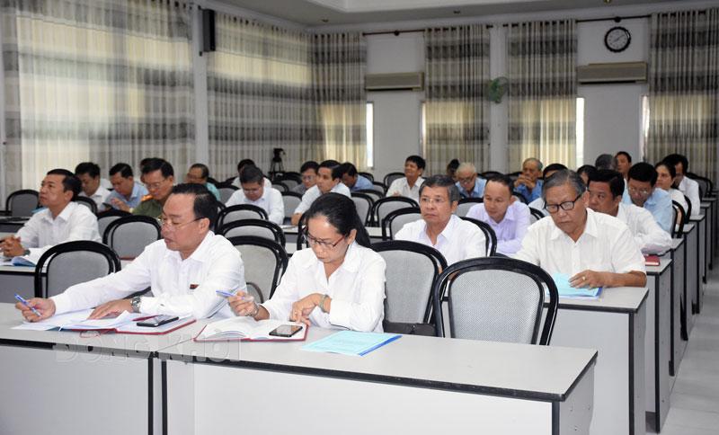Đại biểu dự hội nghị triển khai, quán triệt Kết luận số 93 của Trung ương.