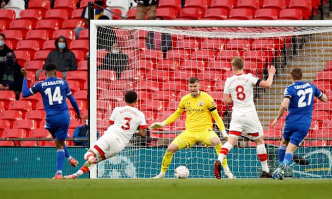 Iheanacho ghi bàn duy nhất trận Leicester vs Southampton