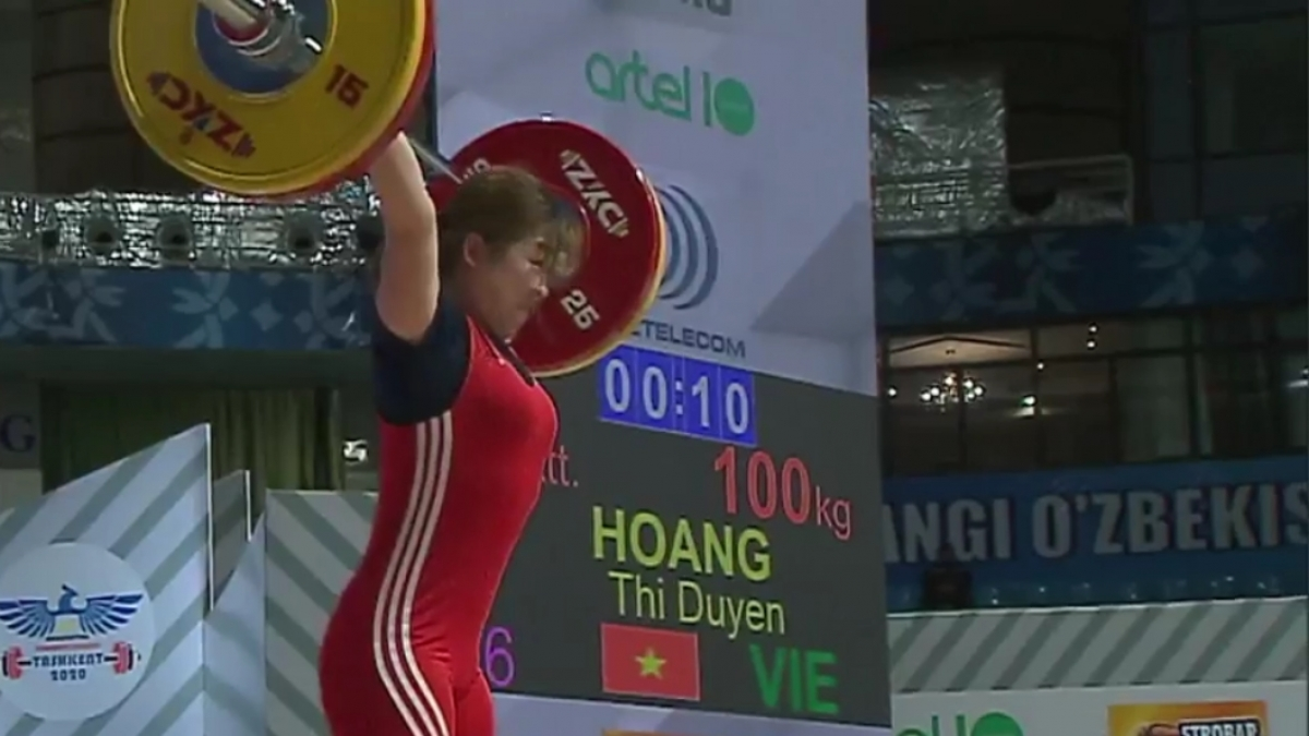 Hoàng Thị Duyên thi đấu với phong độ cao.