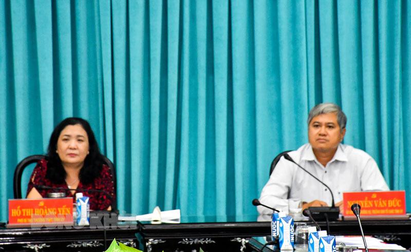 Phó bí thư Thường trực Tỉnh ủy Hồ Thị Hoàng Yến và Trưởng ban Tổ chức Tỉnh ủy Nguyễn Văn Đức chủ trì hội nghị.