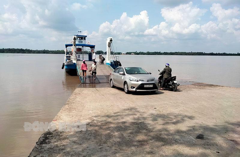 Bến phà Tam Hiệp, huyện Bình Đại.