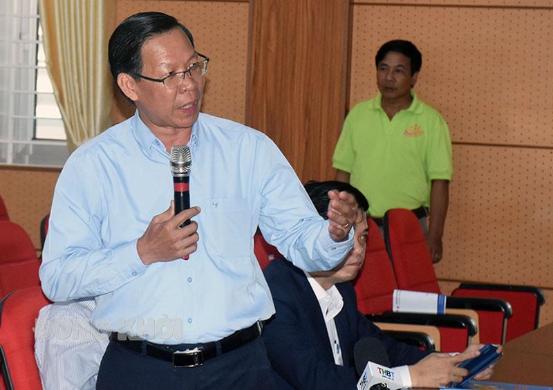 Bí thư Tỉnh ủy Phan Văn Mãi phát biểu tại buổi đối thoại.