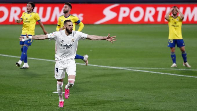 Benzema tỏa sáng với 1 cú đúp bàn thắng cùng 1 kiến tạo ở trận Cadiz vs Real