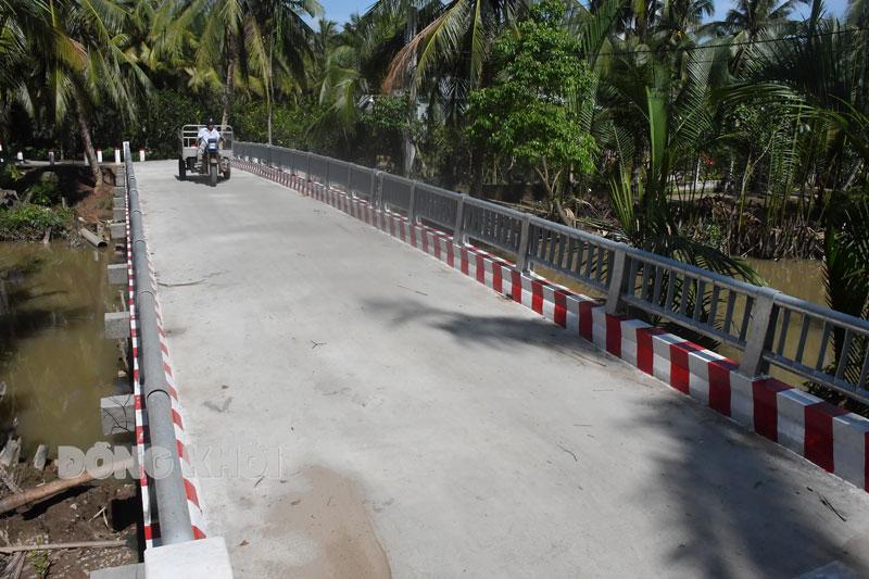 Đường nông thôn mới xã Phú Nhuận.