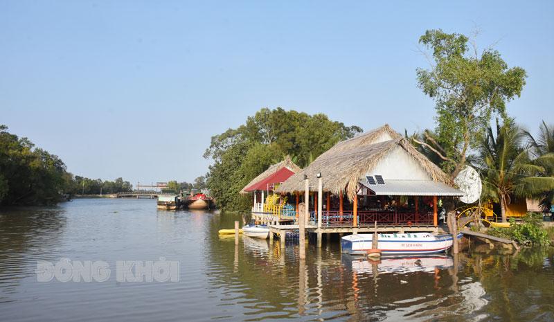 Thạnh Phú đang mời gọi thu hút đầu tư du lịch khai thác các tuyến đường sông trên địa bàn huyện.