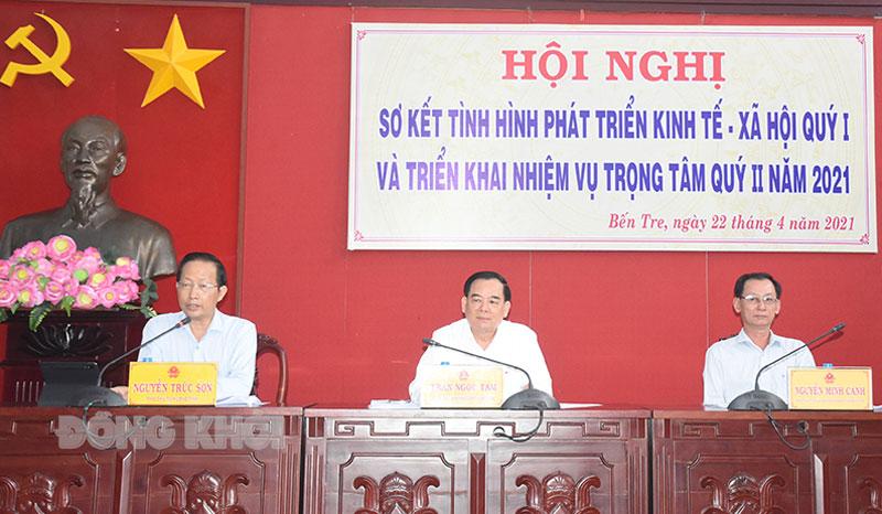 Đại biểu phát biểu tại hội nghị.