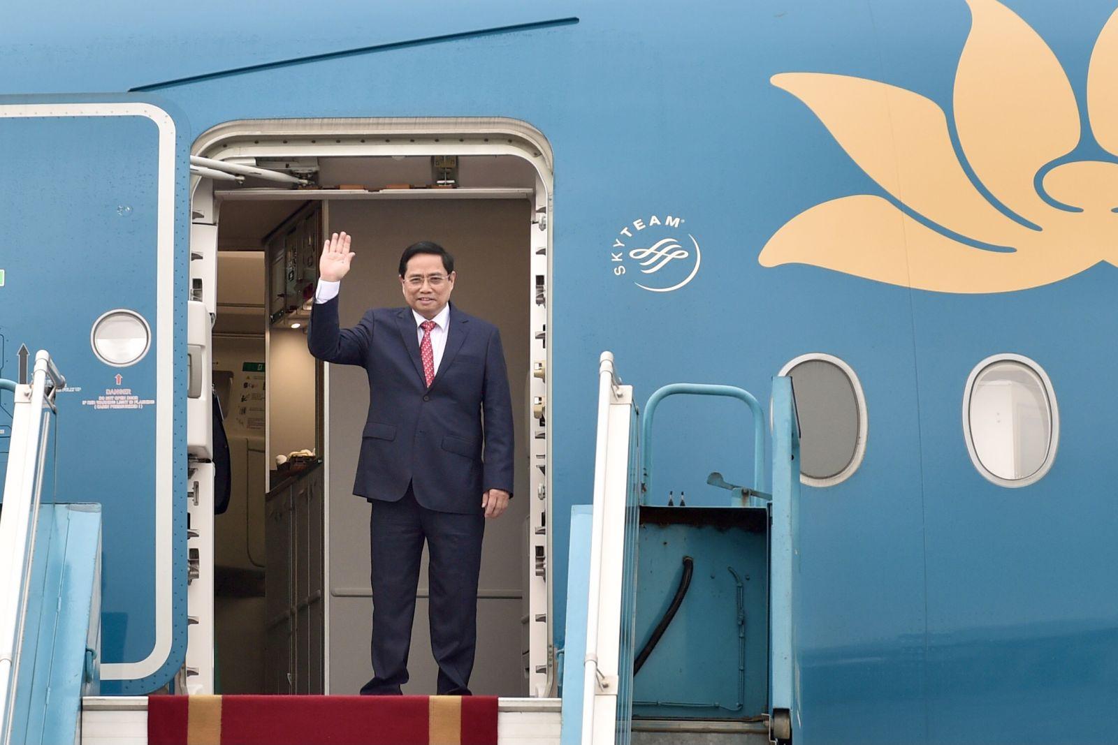 Thủ tướng Chính phủ Phạm Minh Chính lên đường tham dự Hội nghị các Nhà Lãnh đạo ASEAN được tổ chức tại Indonesia. Ảnh: VGP/Nhật Bắc