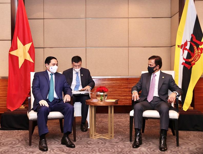 Thủ tướng Phạm Minh Chính nhấn mạnh Việt Nam coi trọng phát triển quan hệ với Brunei, đồng thời khẳng định Việt Nam ủng hộ vai trò Chủ tịch ASEAN 2021 của Brunei Darussalam. Ảnh: VGP/Nhật Bắc