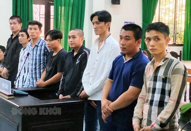 Các bị cáo tại phiên tòa ngày 26 và 27-4-2021.