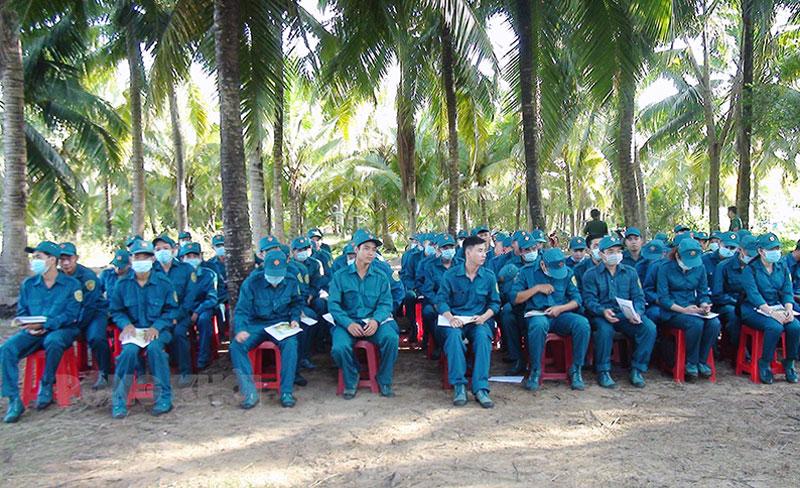 Dân quân binh chủng tham gia lớp huấn luyện năm 2021. Ảnh: Thanh Tuấn