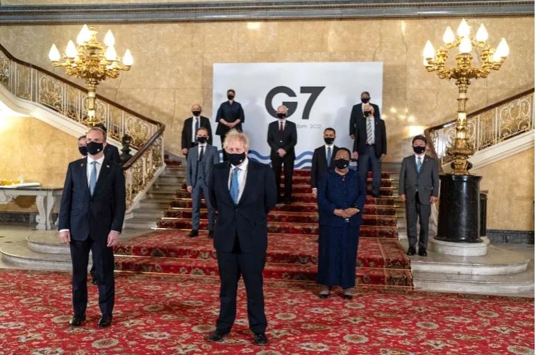 Thủ tướng Anh Boris Johnson cùng đại diện các nước tham dự Hội nghị Ngoại trưởng G7 tại London. Ảnh: AFP