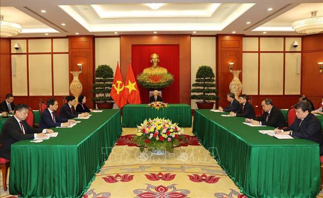 Việt Nam luôn luôn coi trọng và mong muốn tiếp tục làm sâu sắc hơn nữa mối quan hệ hữu nghị đặc biệt giữa hai Đảng, hai nước Việt Nam - Cuba.