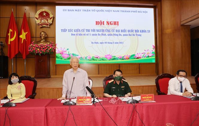 Tổng Bí thư Nguyễn Phú Trọng, Bí thư Quân uỷ Trung ương trình bày Chương trình hành động. Ảnh: Trí Dũng/TTXVN