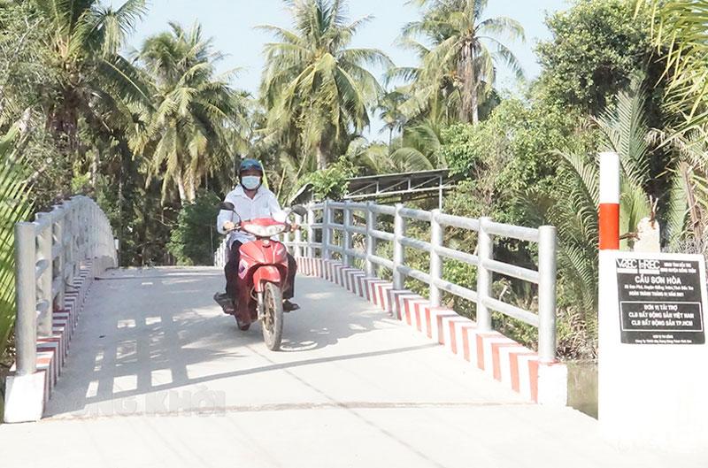 Công trình cầu Sơn Hòa (xã Sơn Phú) hoàn thành đưa vào sử dụng vào tháng 1-2021.
