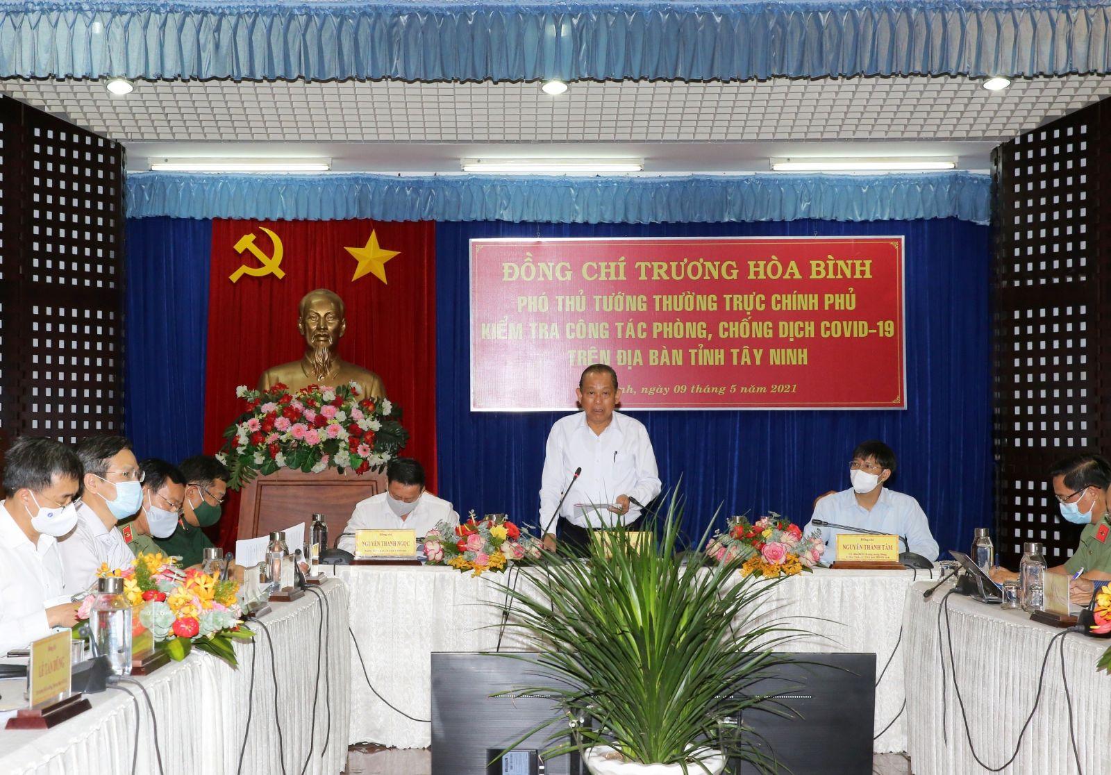 Phó thủ tướng Thường trực Chính phủ Trương Hòa Bình tại điểm cầu tỉnh Tây Ninh. Ảnh: VGP/Mạnh Hùng