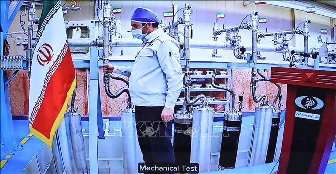 Kỹ sư làm việc tại cơ sở hạt nhân Natanz của Iran. Ảnh minh họa: AFP/TTXVN