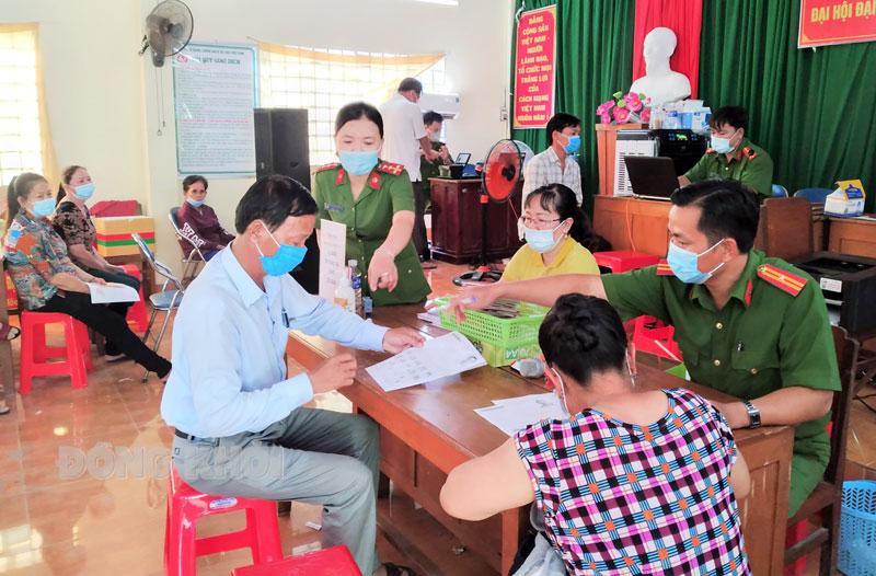 Làm căn cước công dân di động tại xã Phú An Hòa (Châu Thành).