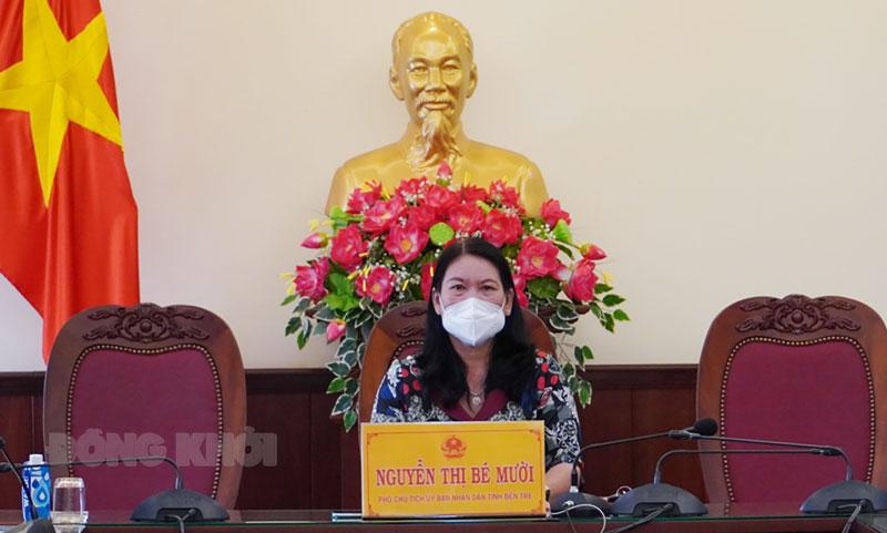 Phó chủ tịch UBND tỉnh Nguyễn Thị Bé Mười chủ trì tại điểm cầu tỉnh.