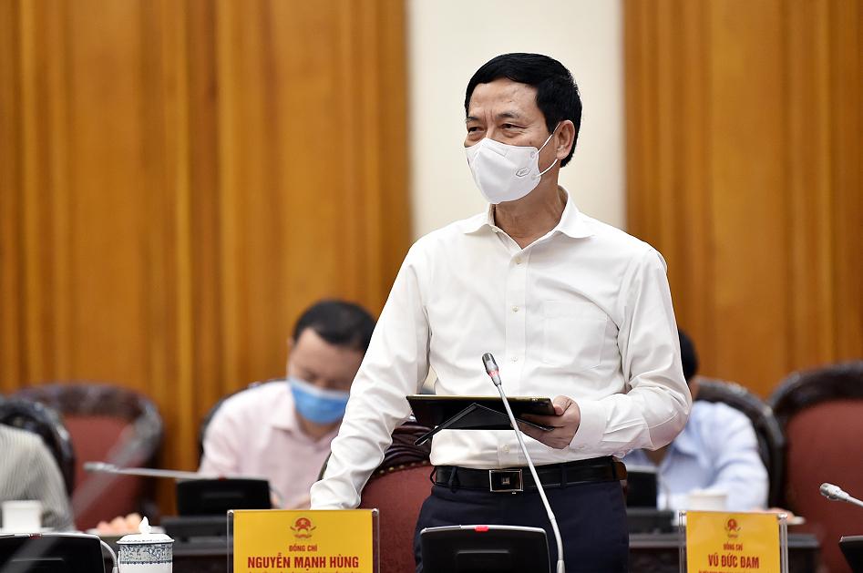 Bộ trưởng Bộ TT&TT Nguyễn Mạnh Hùng phát biểu tại cuộc làm việc. Ảnh: VGP/Nhật Bắc