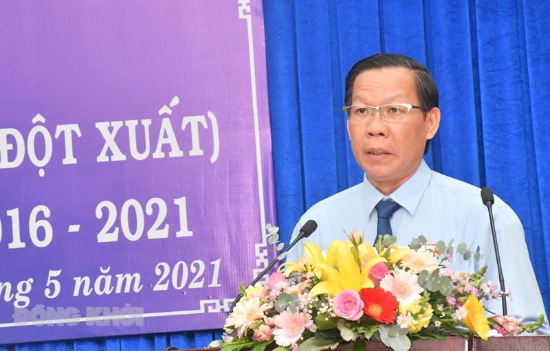 Bí thư Tỉnh ủy - Chủ tịch HĐND tỉnh Phan Văn Mãi phát biểu bế mạc kỳ họp.