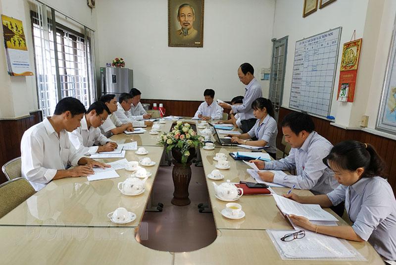Kiểm tra hoạt động duy trì áp dụng hệ thống quản lý chất lượng theo tiêu chuẩn ISO 9001 tại cơ quan hành chính nhà nước.  Ảnh: Thanh Tân